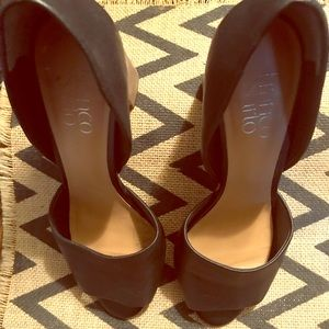 Chunky black heels